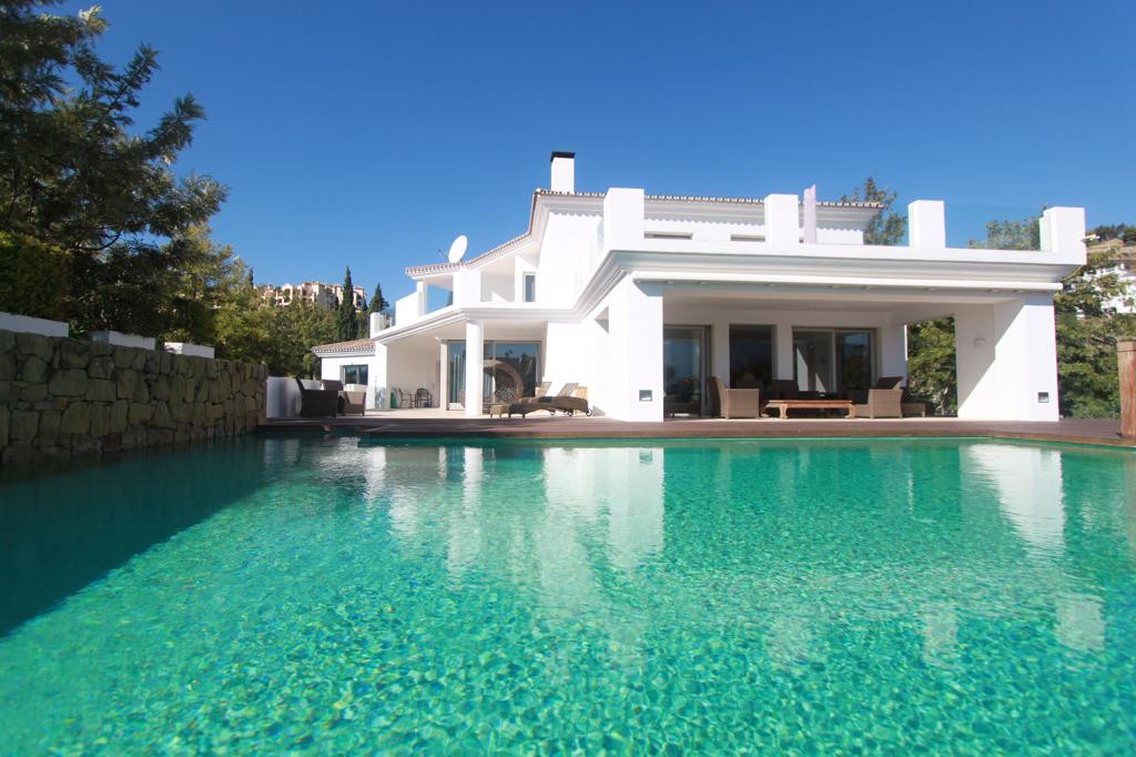 Located on one of the best and most prestigious golf courses on the Costa del Sol, you will find a c,Spain