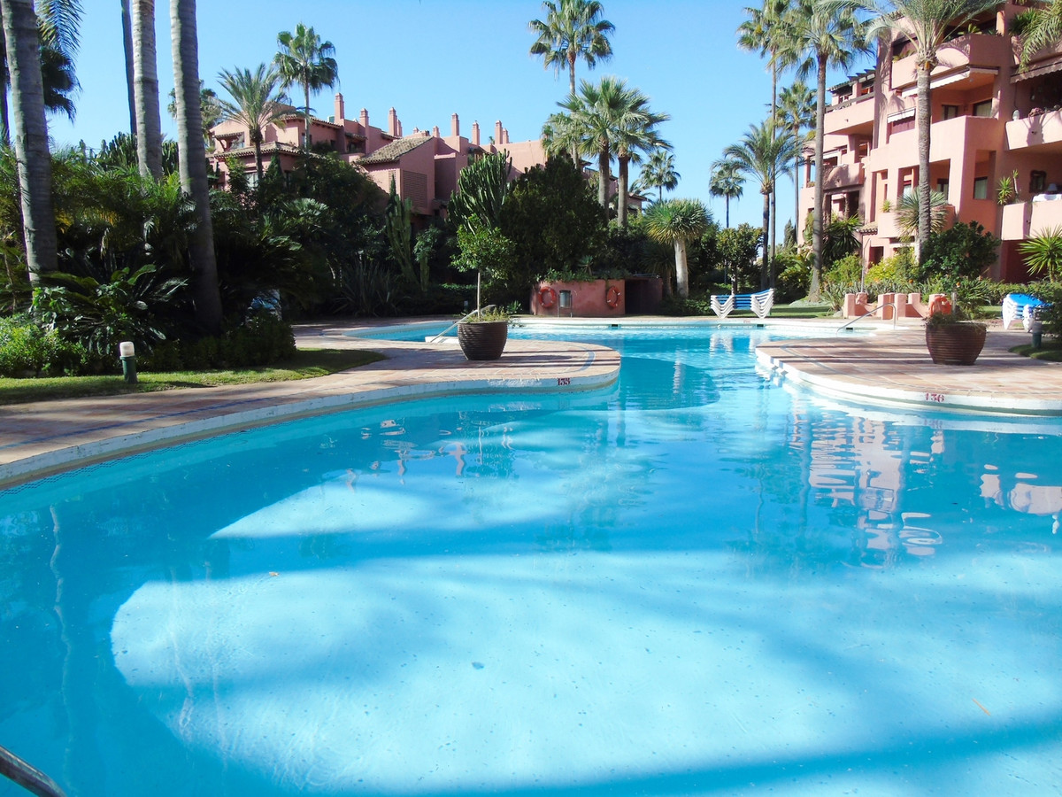 Apartment in Marbella R3249019 2