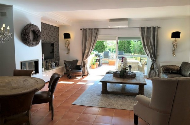 Townhouse in Estepona R3263152