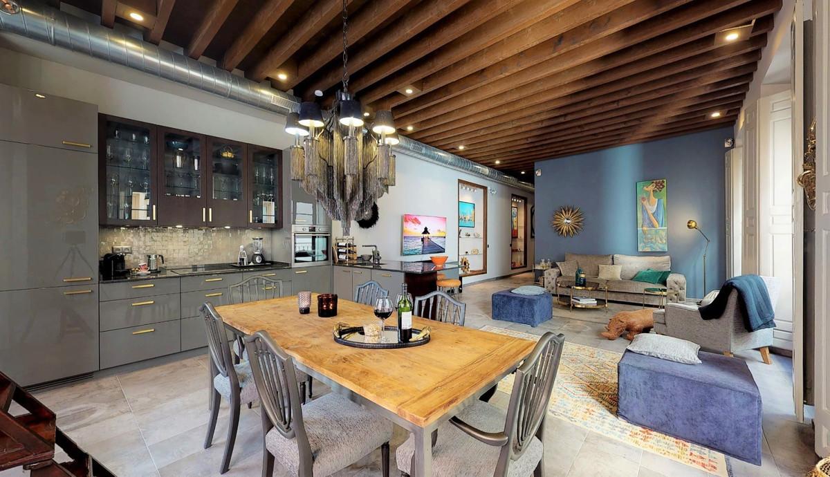 Middle Floor Apartment in Málaga R3343450