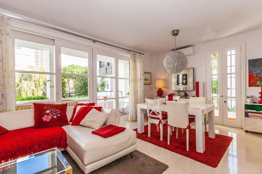Apartment in Elviria R3085117 2