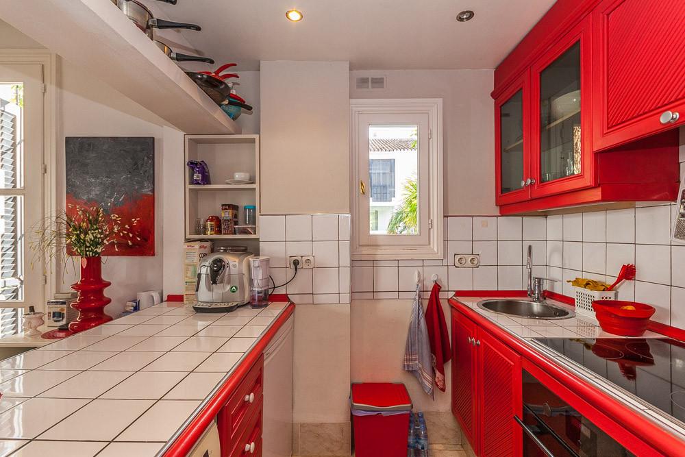 Apartment in Elviria R3085117 3