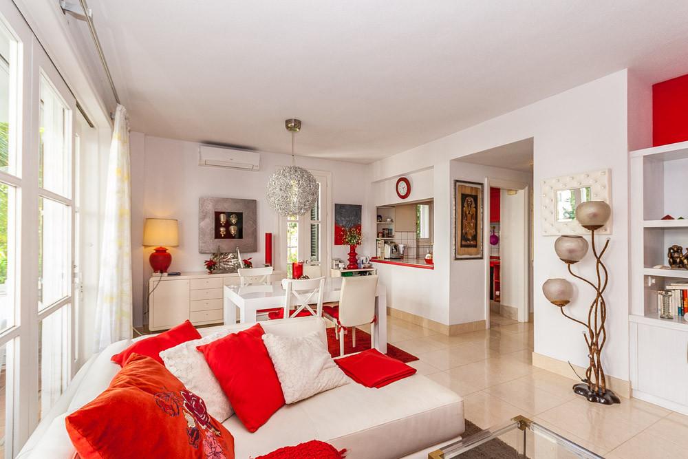 Apartment in Elviria R3085117 6