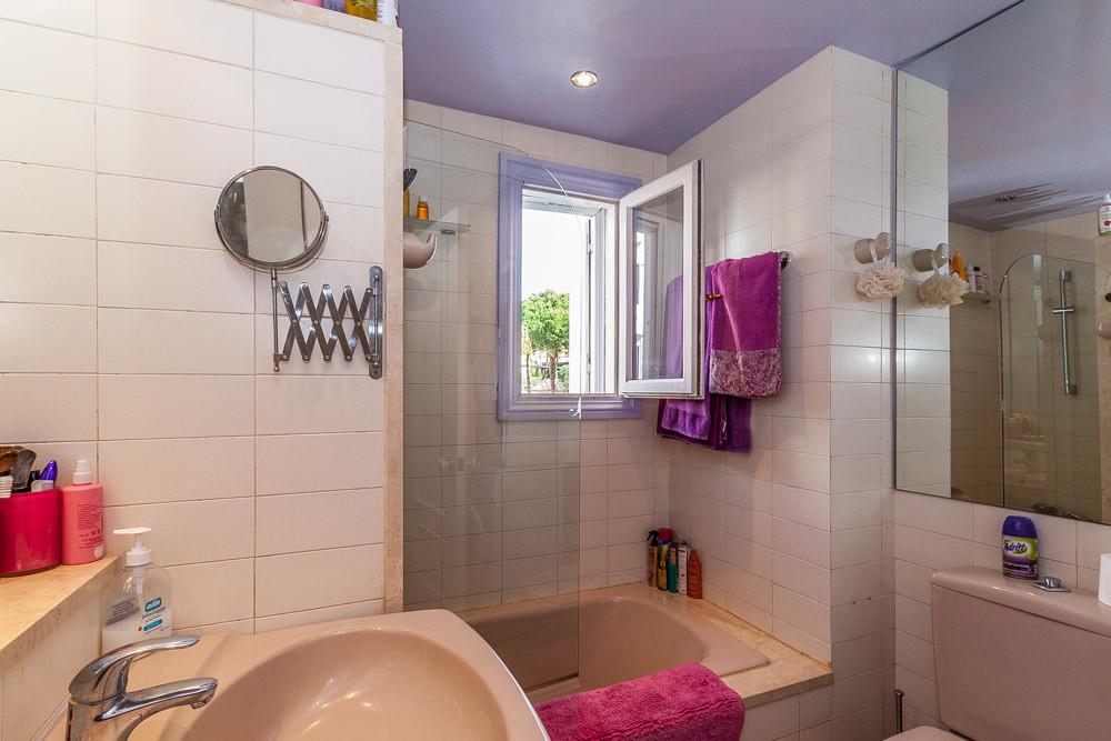 Apartment in Elviria R3085117 9