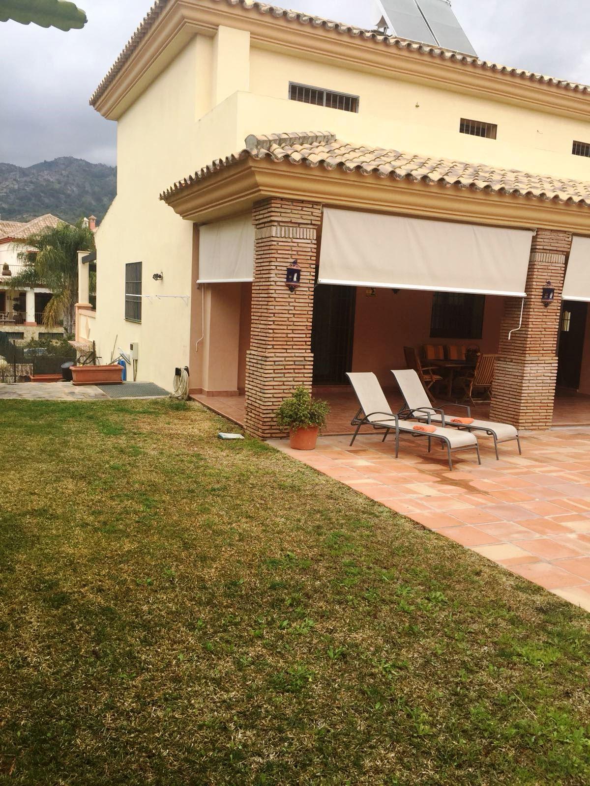 Detached Villa in Marbella R3160033