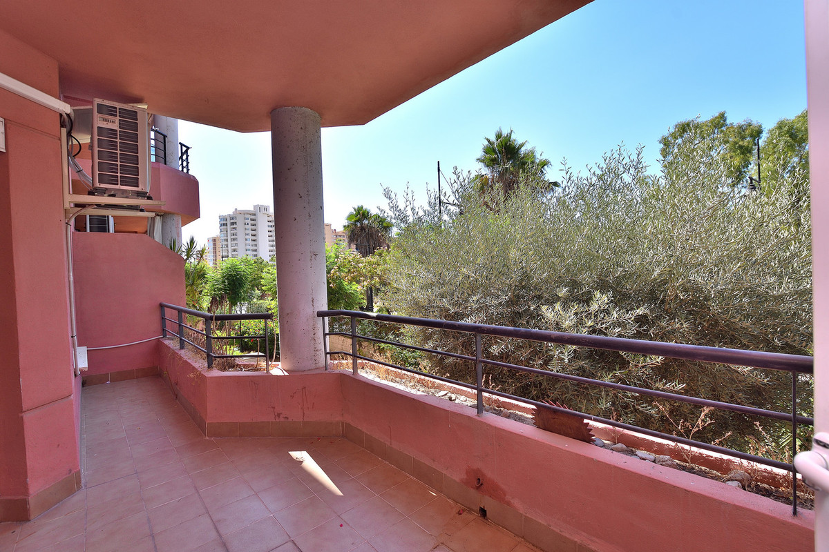 Middle Floor Apartment in Los Boliches R3236863