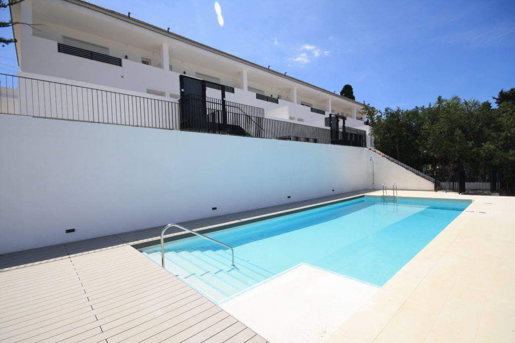 Townhouse in Marbella R3203959