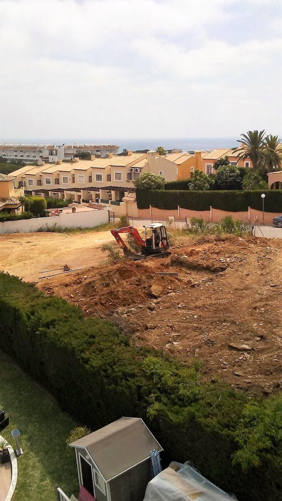 Residential Plot in Calahonda R2942402