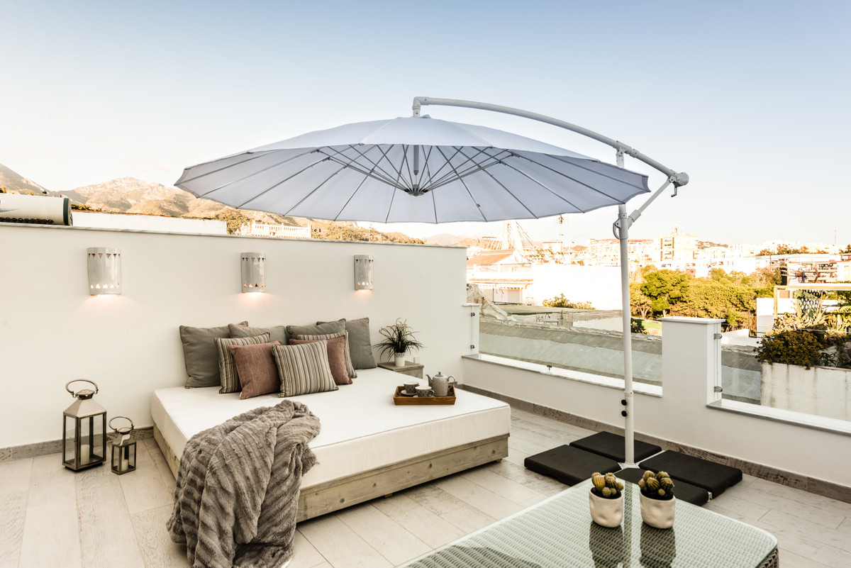 Townhouse in Marbella R3184069