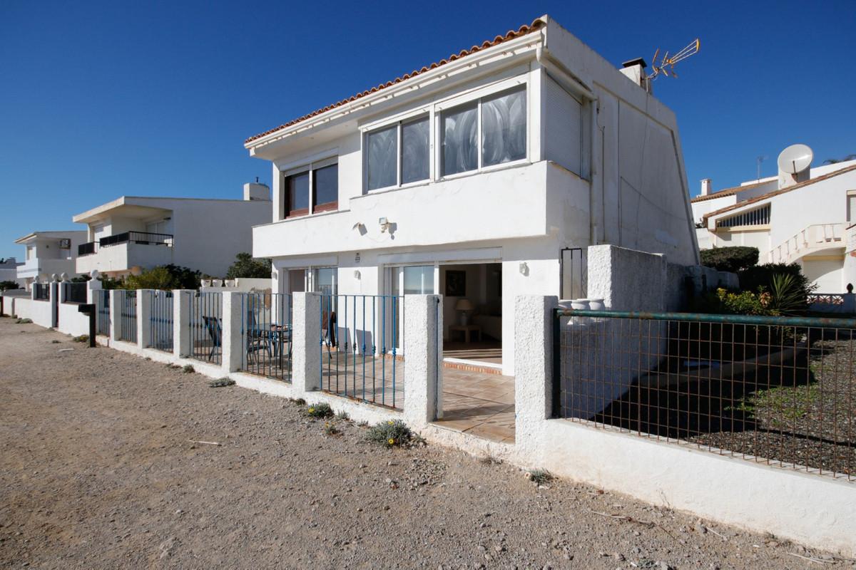 Detached Villa in Estepona R2845430
