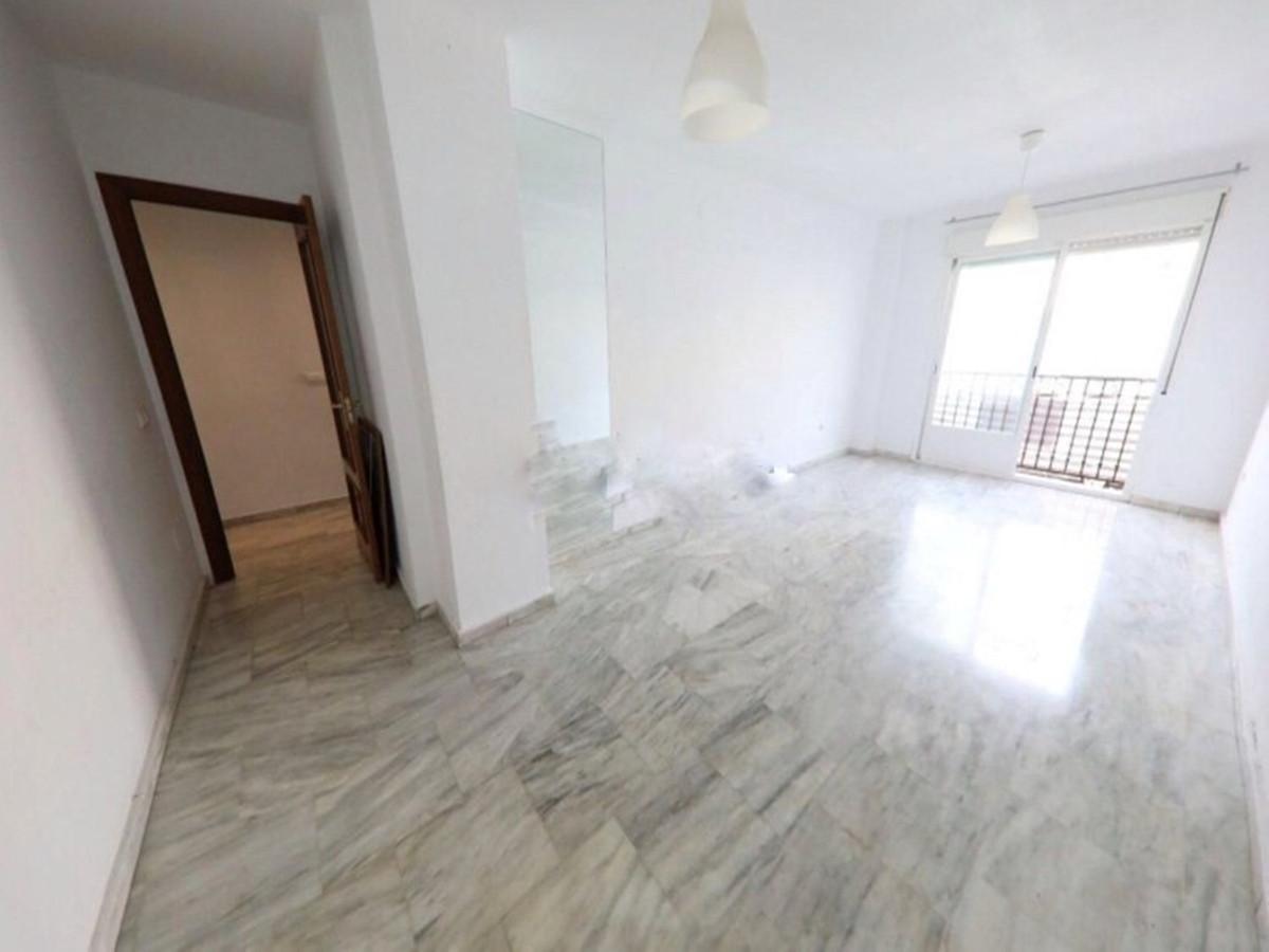 Top Floor Apartment in Riviera del Sol R3180211