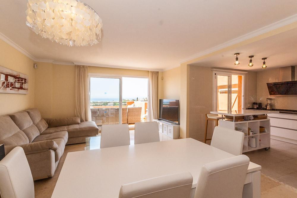 Apartment in Elviria R3218944 10