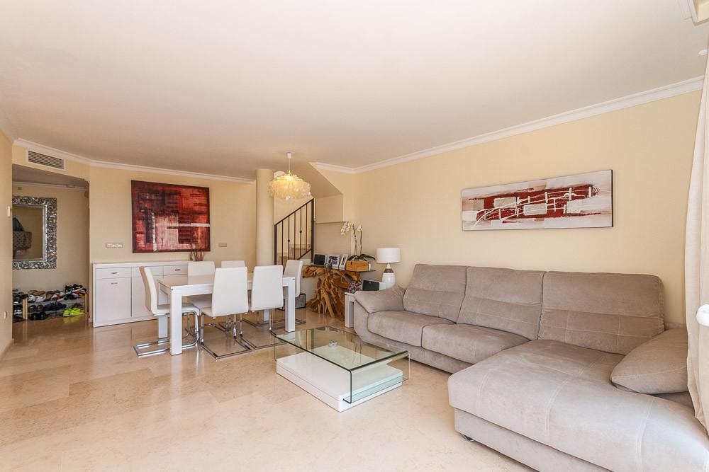 Apartment in Elviria R3218944 11