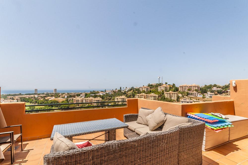 Apartment in Elviria R3218944 2