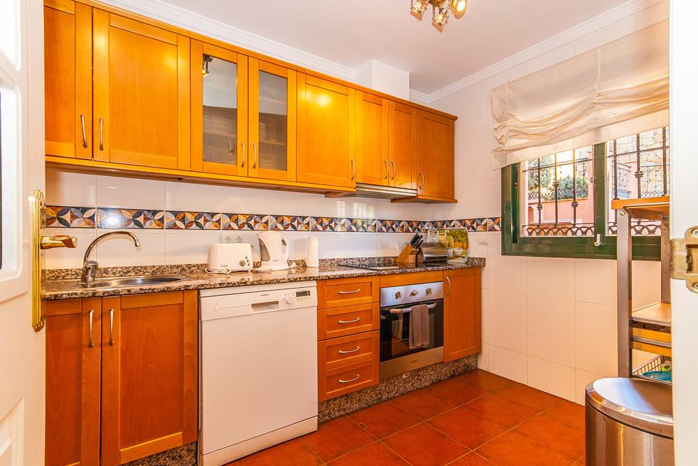 Apartment in Elviria R3333691 4