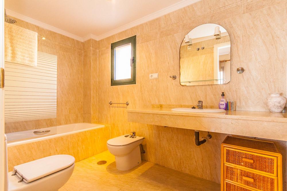 Apartment in Elviria R3333691 8