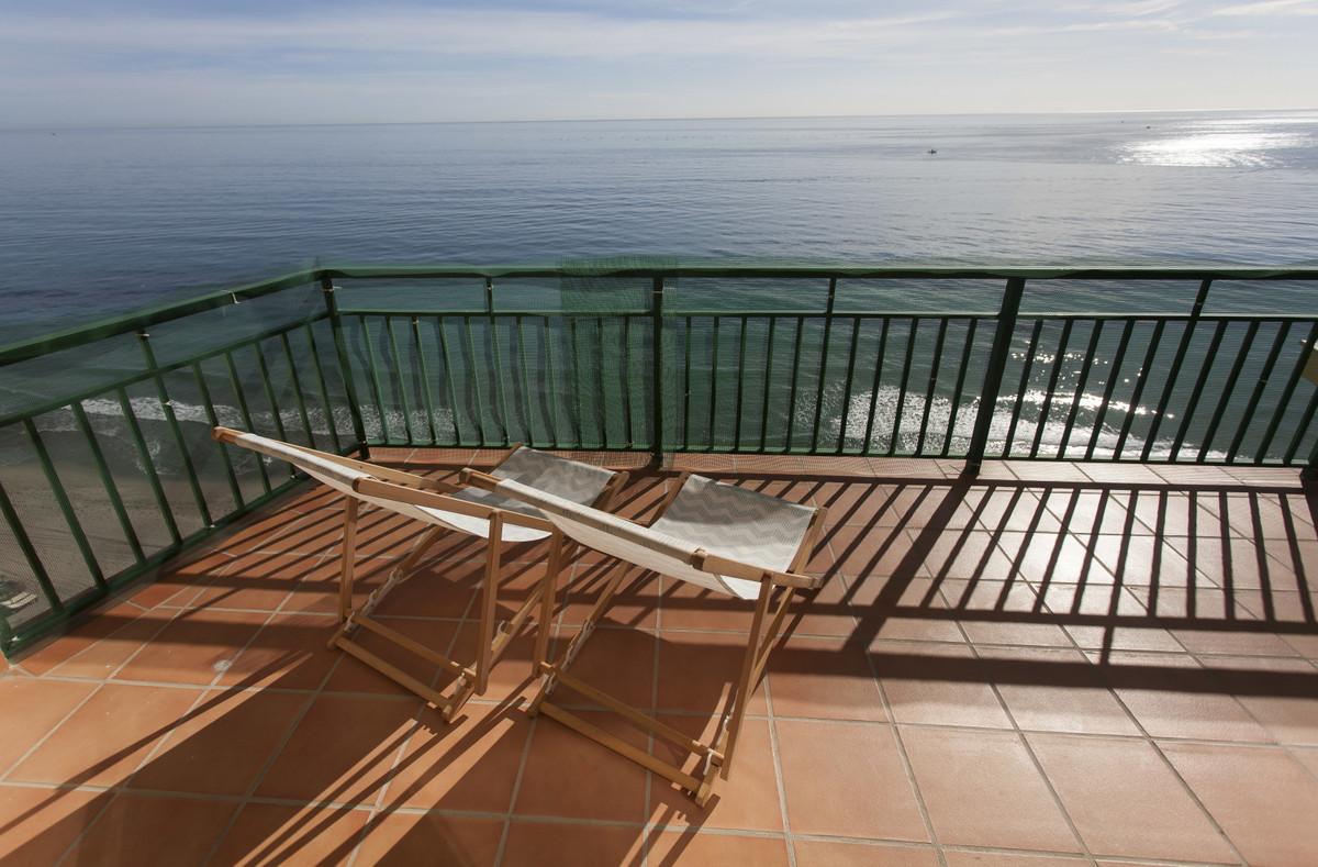 Middle Floor Apartment in Carvajal R3318430