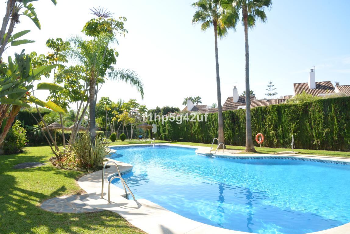 Penthouse in Guadalmina Baja R3144211