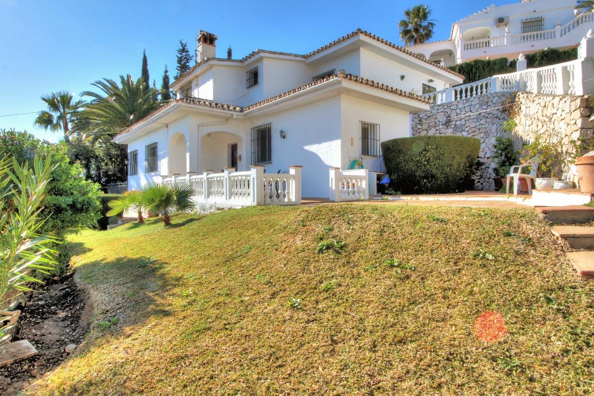 Detached Villa in La Capellania R2210795