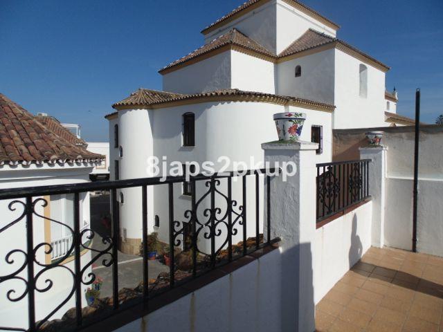 Townhouse in Estepona R2915720