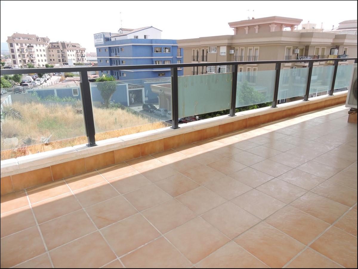 Middle Floor Apartment in San Luis de Sabinillas R3229666