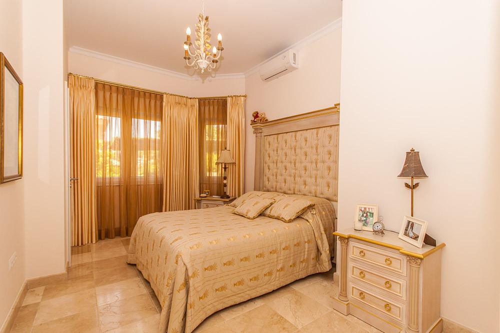 House in Elviria R2981681 33