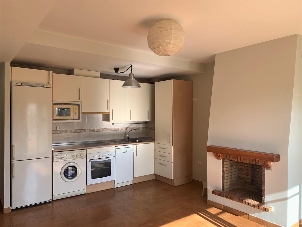 Apartamento en Venta en Calahonda – R3833272