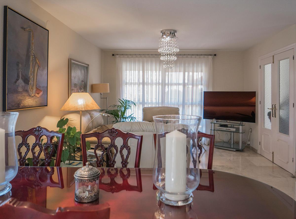 Beautiful semi-detached house in Dona Ermita, consists of three bedrooms, a bathroom and a toilet, a,Spain