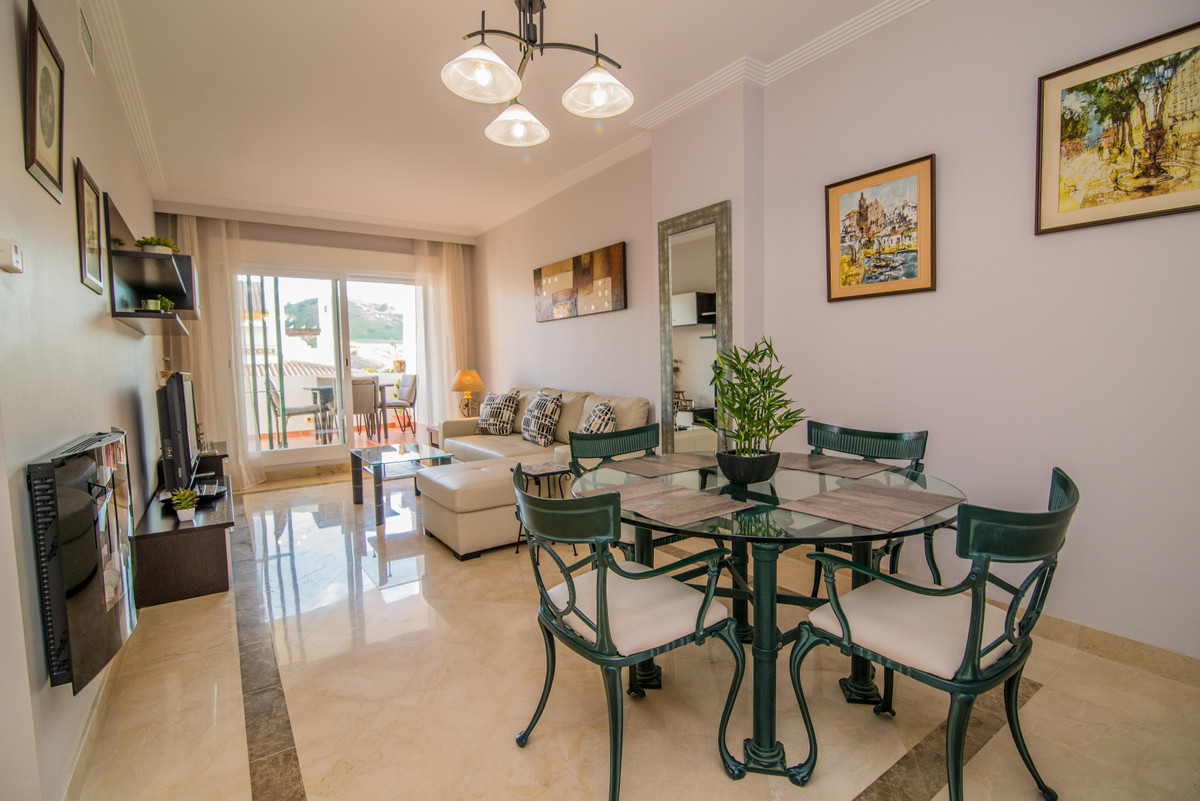 Luxurious apartment in the upper part of La Cala de Mijas very close to the golf course. The house h, Spain