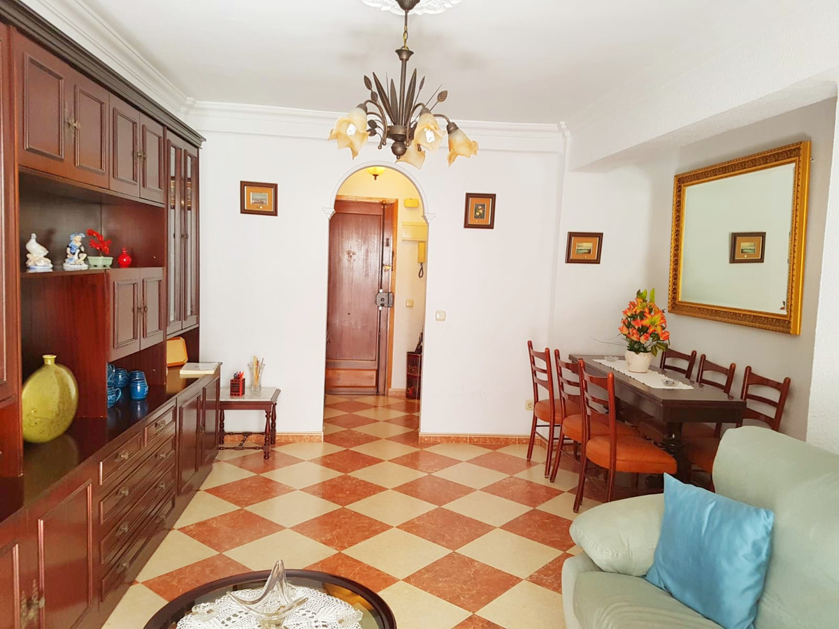 Nice apartment for sale in Malaga in the neighborhood of Torcal, very close to the Av de Europa, rea, Spain