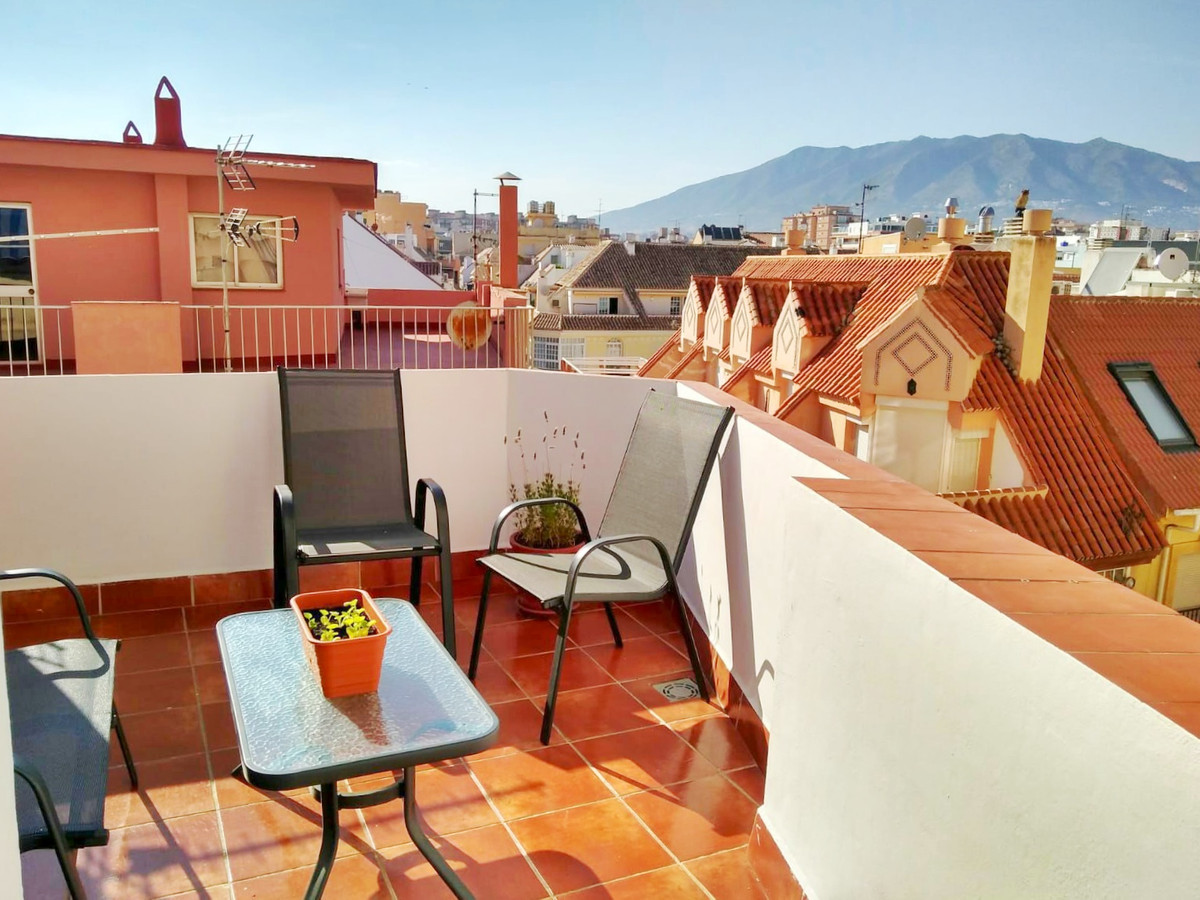 Unique opportunity! Beautiful penthouse in the center of Fuengirola, 10 meters from the beach and th,Spain