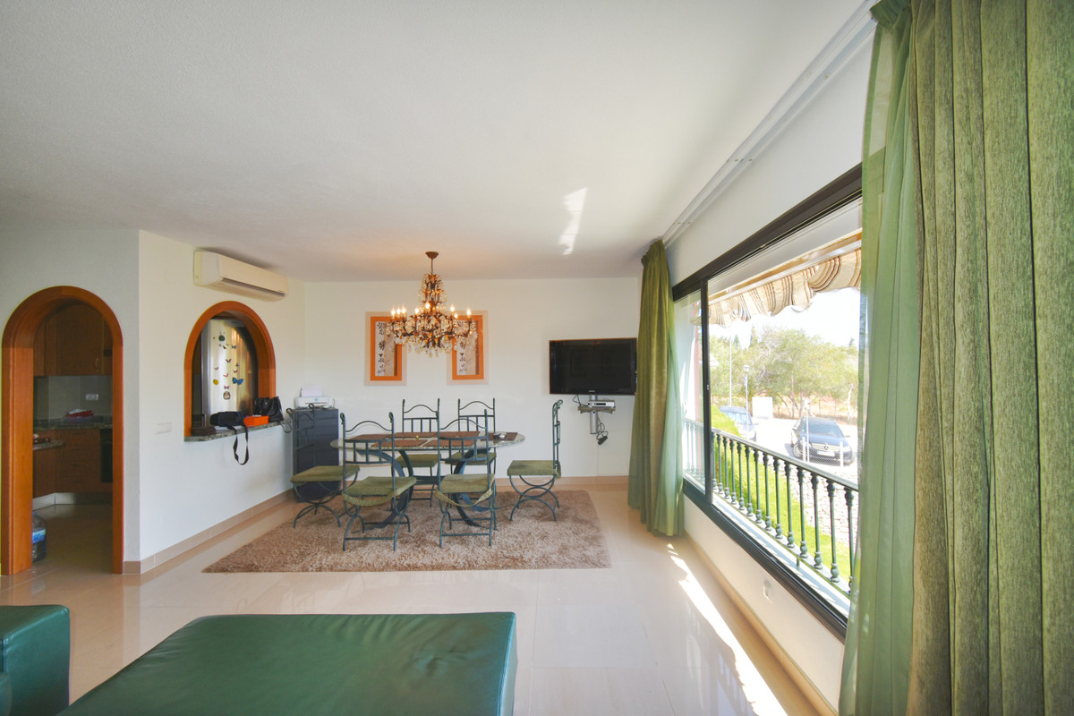 OPPORTUNITY!! Duplex penthouse with stunning sea views in the Urbanization Reserva de Marbella.  Dis, Spain