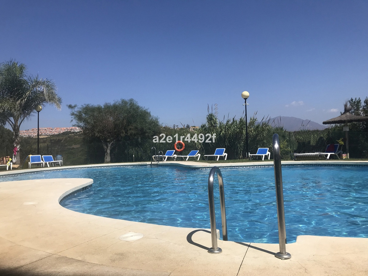Situated beachside on the outskirts of the popular area of Estepona we have on offer a second floor ,Spain