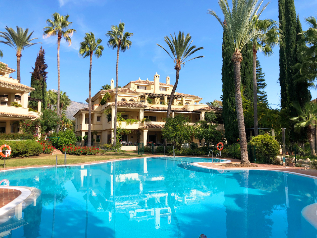 MAGNIFICENT LUXURY AND SPACIOUS APARTMENT SITUATED IN THE HEART OF THE GOLF VALLEY OF NUEVA ANDALUCI,Spain