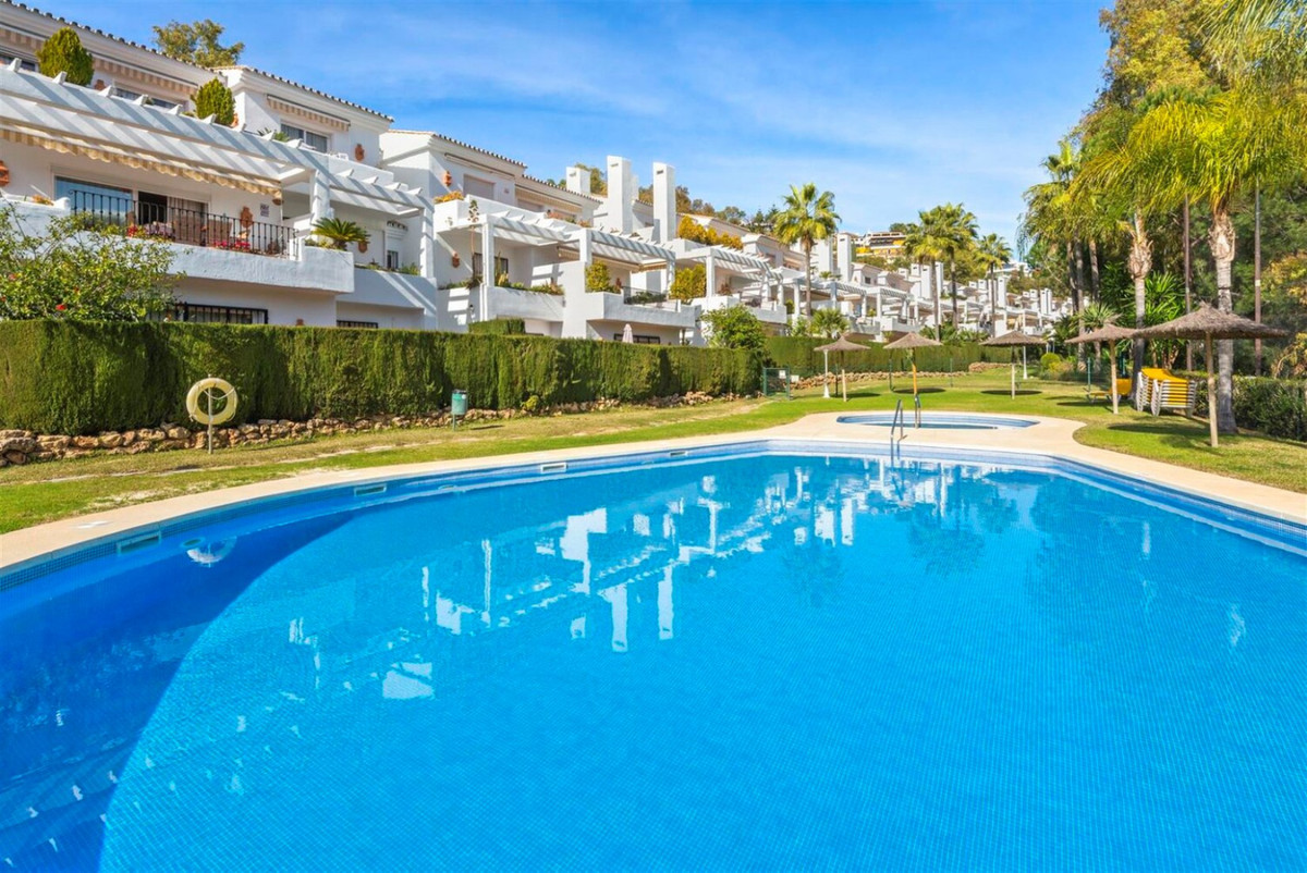 BANK REPOSSED PROPERTY:  LARGE FAMILY TOWNHOUSE BUILT ON TWO FLOORS.  SITUATED IN EL SOTO DE LA QUIN,Spain