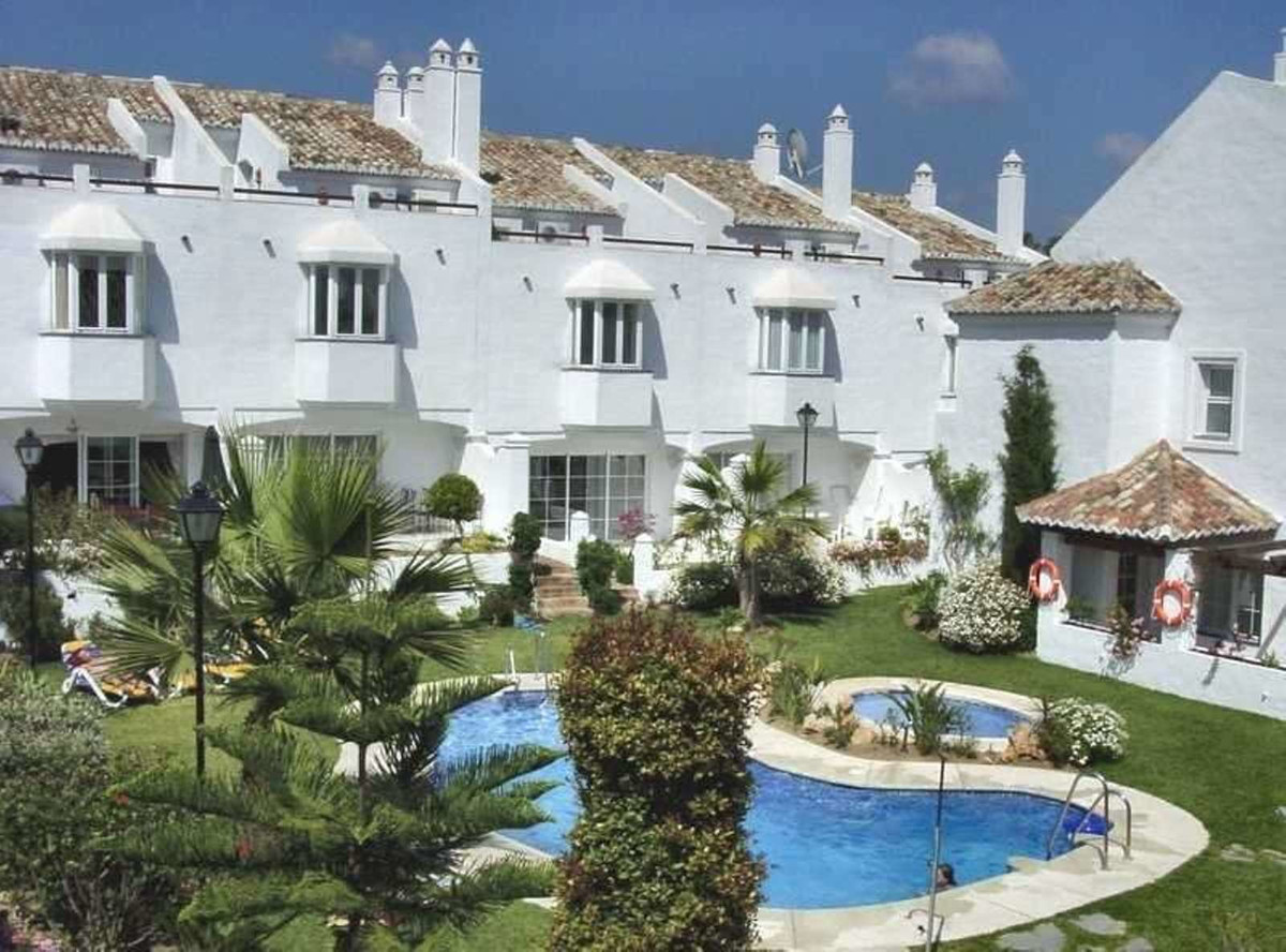 COZY AND SUNNY TOWNHOUSE LOCATED ON THE GOLDEN MILE, BETWEEN MARBELLA AND PUERTO BANUS,  IN A GATED ,Spain