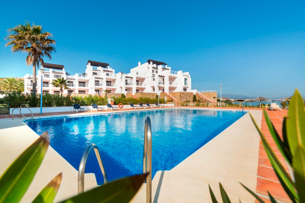 Middle Floor Apartment for sale in Casares Playa