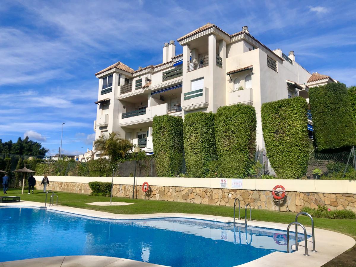 Marbella Banus Apartamento en Venta en Puerto Banús – R3778084