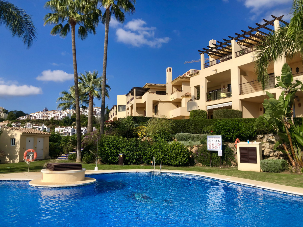 SPACIOUS BANK REPOSSESSION APARTMENT SITUATED IN LOS ARQUEROS, A GATED DEVELOPMENT IN BENAHAVIS. THE Spain