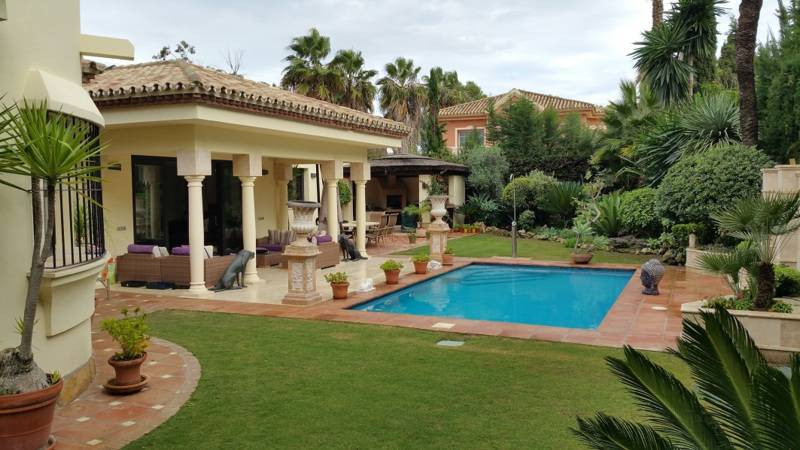Villa - Chalet a la venta en New Golden Mile