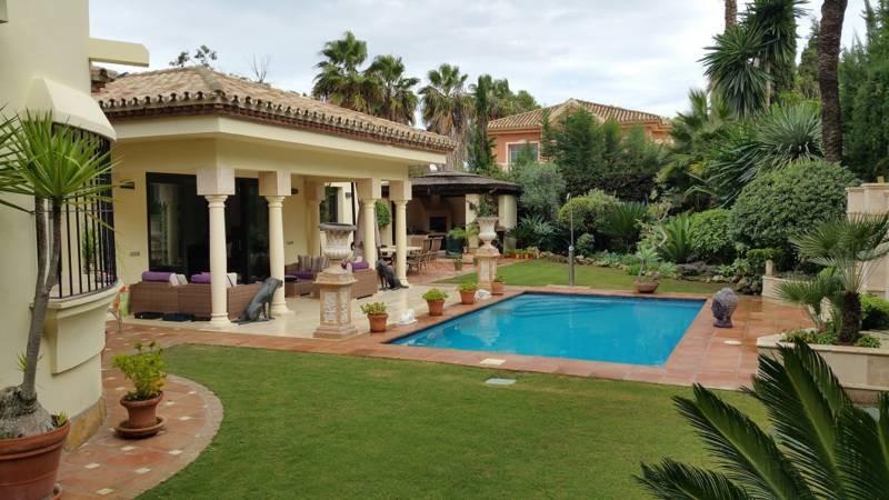 Freistehende Villa zum verkauf in New Golden Mile