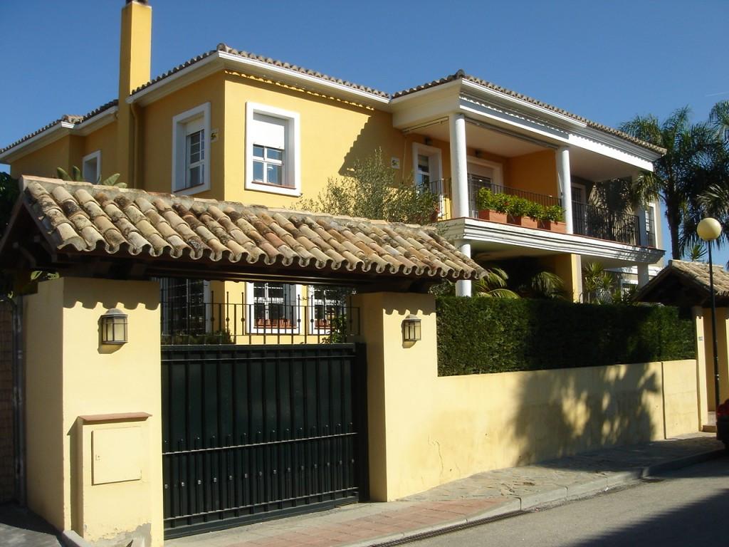 Villa for sale in Guadalmina Alta - Costa del Sol