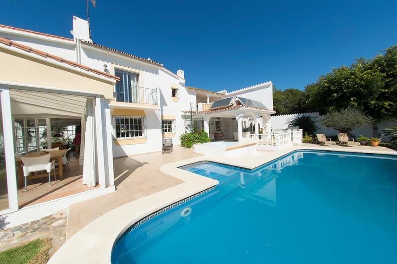 Freistehende Villa zum verkauf in Nueva Andalucía