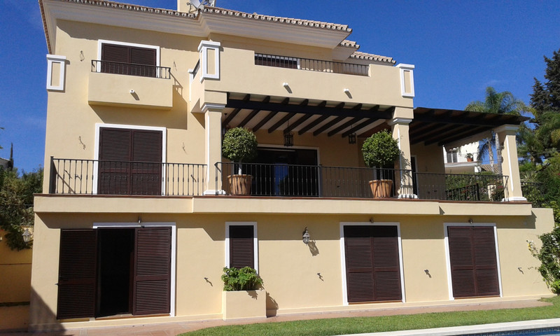 Detached Villa for sale in El Rosario