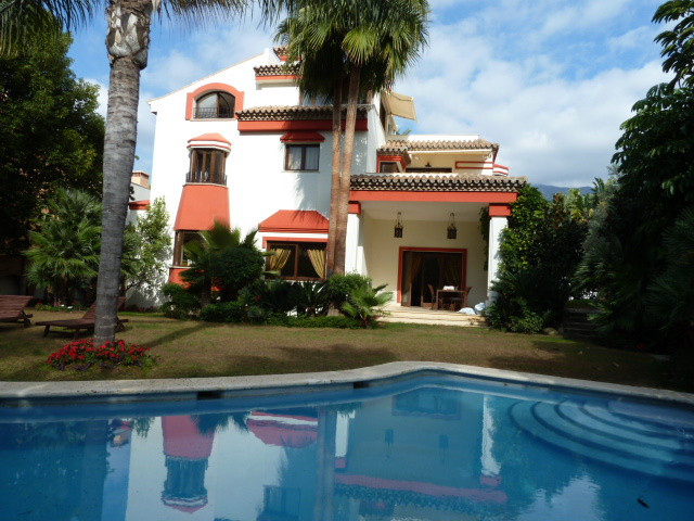 Detached Villa for sale in Marbella