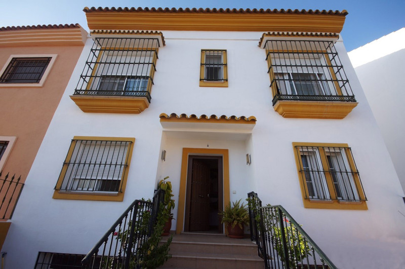 Reihenhaus Stadthaus zum verkauf in Nueva Andalucía