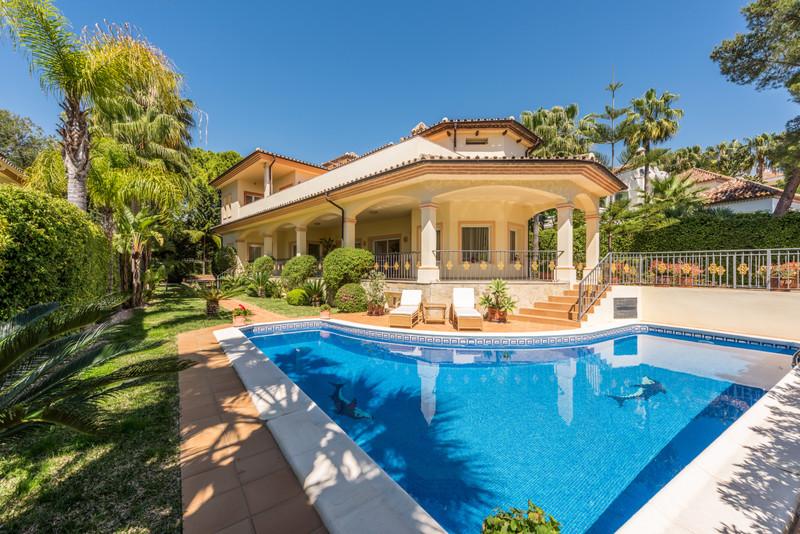 Detached Villa for sale in The Golden Mile