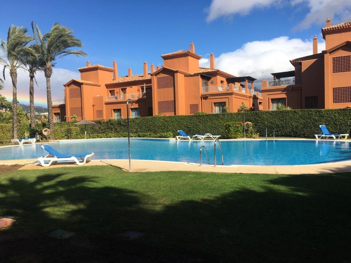 SUPERB MIDDLE FLOOR APARTMENT, SITUATED BENATALAYA COMPLEX, NEARBY SAN PEDRO AND 14 KMS FROM ESTEPON,Spain