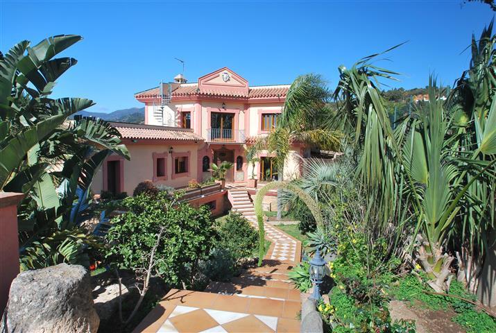 Freistehende Villa zum verkauf in Estepona