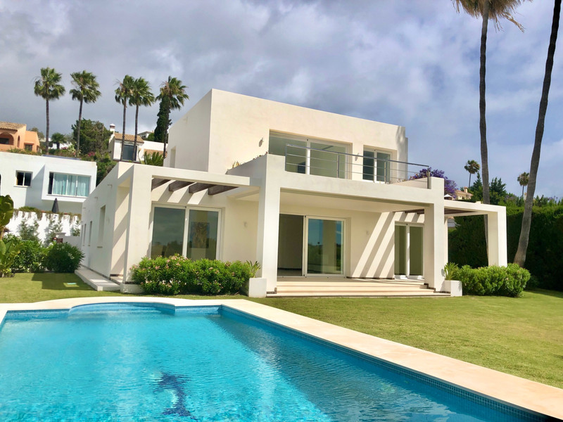 Detached Villa for sale in El Paraiso